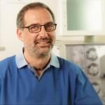 Dr. med. Udo Knevels: Facharzt für Innere Medizin/Gastroenterologie EBG, Dialyse, Ernährungsmedizin DAEM/DGEM, Lipidologe (DGFF®), Hypertensiologie (DHL)
